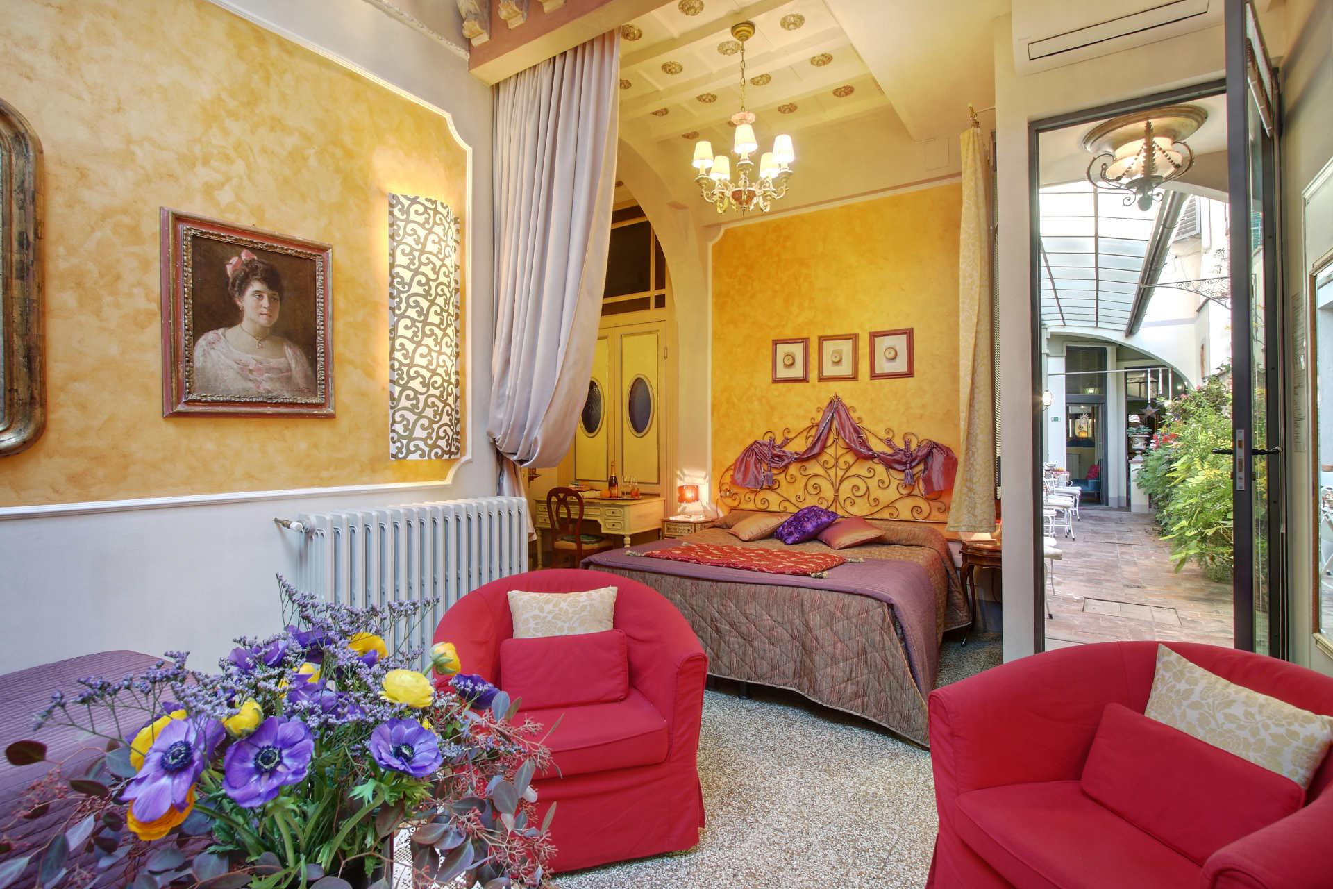 Relais grand tour e grand tour suites firenze fi official reservation system - Hotel diva firenze ...